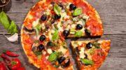 Всеобщая любимица пицца: какова еекалорийность?